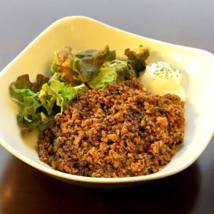 ガパオライス半熟卵付(サラダ付)