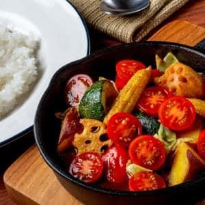トマト+たっぷりグリル野菜カレー(野菜250g)
