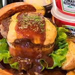 デミチーズバーガー Demi-Glace Cheddar Cheese Beef Burger