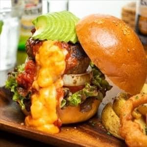 【BC05】アボカドチェダーチーズバーガー Avocado Beef Burger Cheddar Cheese BC05