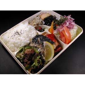 お任せ弁当(1400円)【3】 牛肉スタミナ焼メイン※待ち時間プラス5分※
