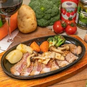 キノコ入り ガーリック醤油ソース(Steak with Mushroom and Garlic soy sauce)