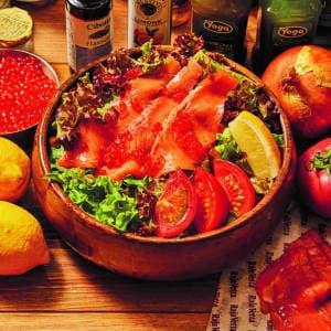 いくらとスモークサーモンのサラダ Ikra & Smoked Salmon Salad