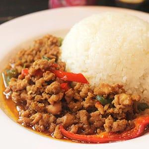 【タイ料理】ガパオムー(ポーク)とごはん