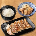 ぎょうから定食 Gyoza Fried chiken set(Gyoza 6pieces・Fried chiken 3pieces・Rice)