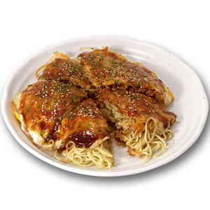 【2】広島風お好み焼き(肉・玉子・そば)
