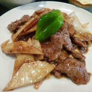 【021】牛肉と旬野菜のオイスターソース炒め
