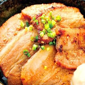 甘辛みそ豚丼(400)
