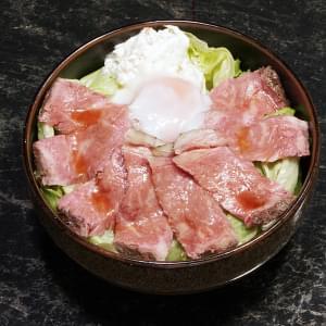563 【半額セール】USサーロイン ローストビーフ丼