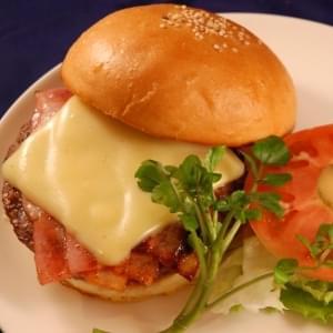 牛肉ビーフ100%ベーコンチーズバーガー ポテト&ドリンクセット