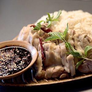 カオマンガイ/蒸し鶏と鶏出汁の炊き込みご飯【ライス、スープ、デザート付き】