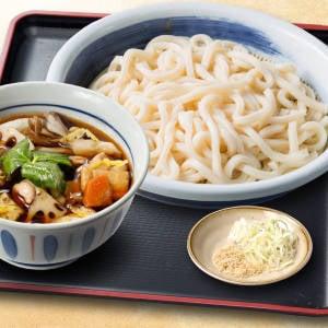 たっぷり野菜の鶏汁うどん・そば(1.5玉)