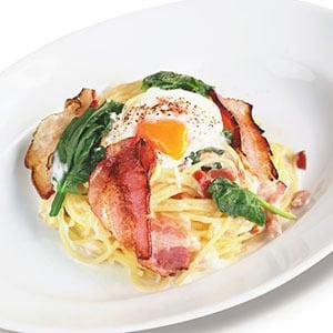 サルヴァトーレクオモ 炙りベーコンのスパゲッティカルボナーラ