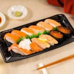 サーモン寿し 1人前 Fatty Grilled and Regular Salmon 1人前