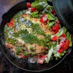 大きなハンバーグのトマト煮込み(バジル・パルメザン)