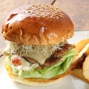 grilled chicken burger グリルドチキンバーガー 【フレンチフライ付】