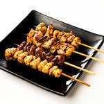 焼き鳥4種盛 Four kinds of grilled chicken
