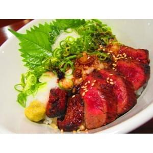 牛サガリのネギトロロ丼