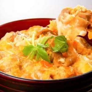 親子丼 chicken and eggs bowl