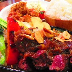 牛ステーキ&唐揚げ弁当 通常サイズ