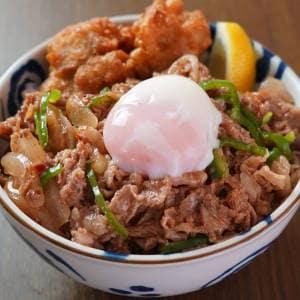 プルコギ丼 【からあげ2個入り】