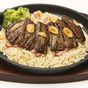 ガーリックライスのステーキ
