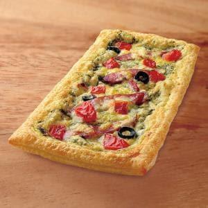 ストロベリーコーンズ 【半額・パイピザ】粗挽きソーセージとプチトマト
