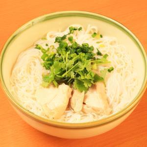 ブンガー(鶏肉の温かい米粉麺)