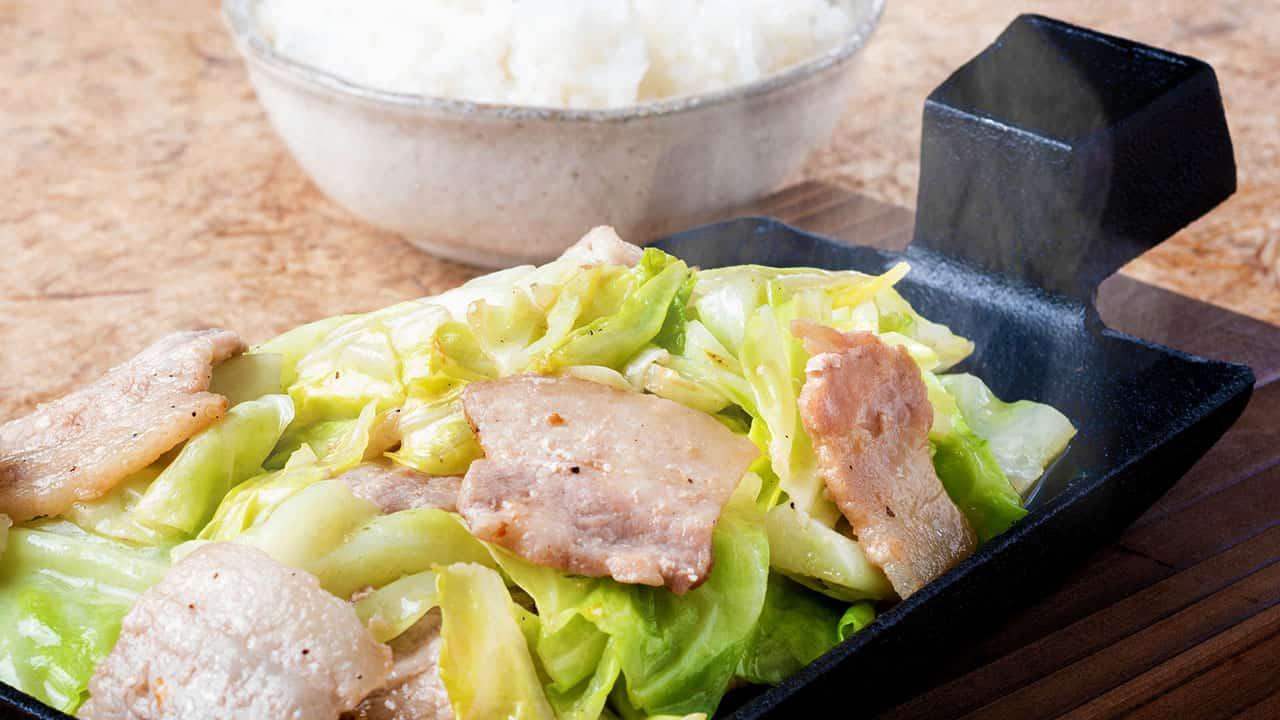 豚カルビの旨塩ポン酢鉄板焼き ごはん付き