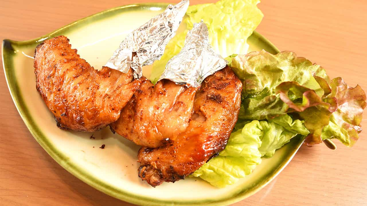 カインガーヌゥオンサー(手羽先のレモングラス焼き)3本