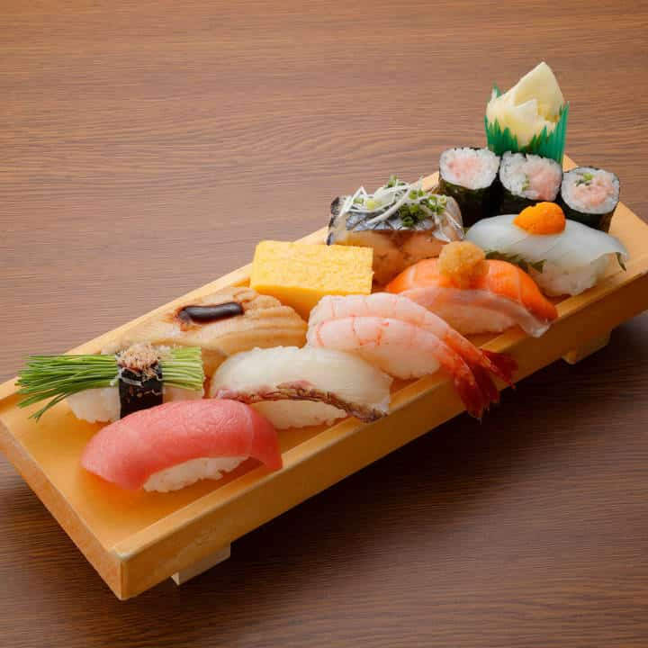 選抜にぎり(1人前) Selection Sushi (1 serving)