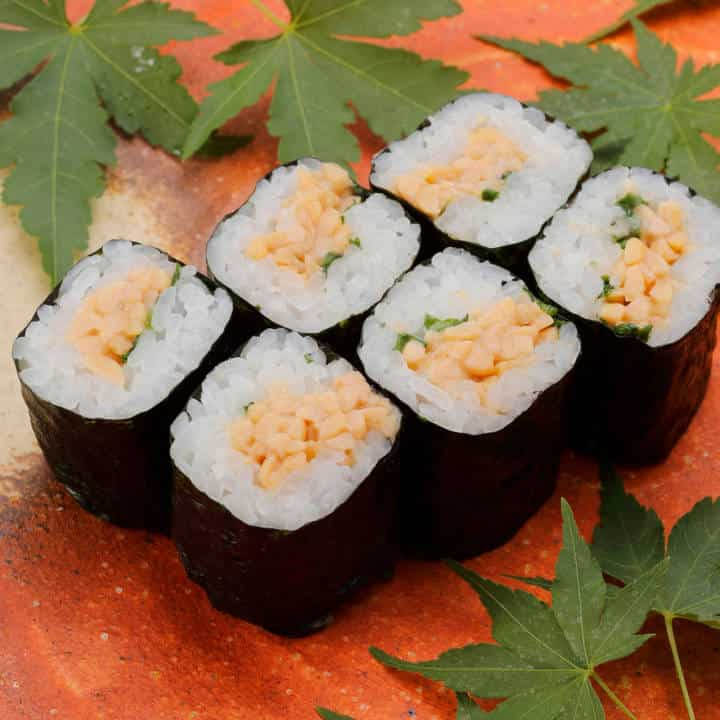 納豆巻き(1本)Natto Soybean Rolled Sushi(1roll)