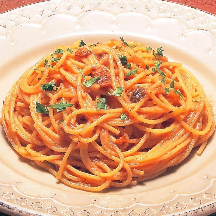 明太子とウニのバター風味(Butter flavored Spaghetti with Seasoned cod roe and Sea urchin)